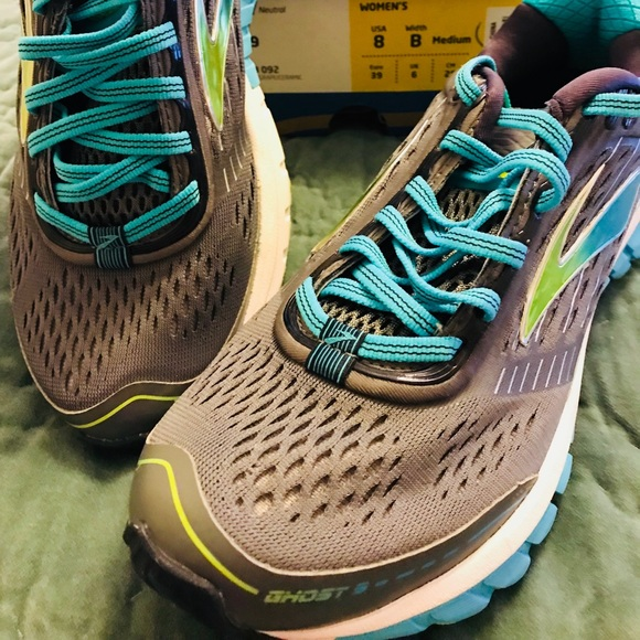 b237a09794007 Brooks Shoes - NWOT Brooks Ghost 9 Women s Running Shoes 8